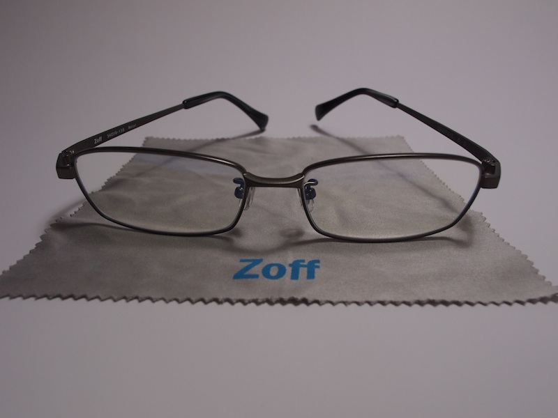 パソコン用眼鏡掛け比べ 〜 ZoffかJINSか両方か