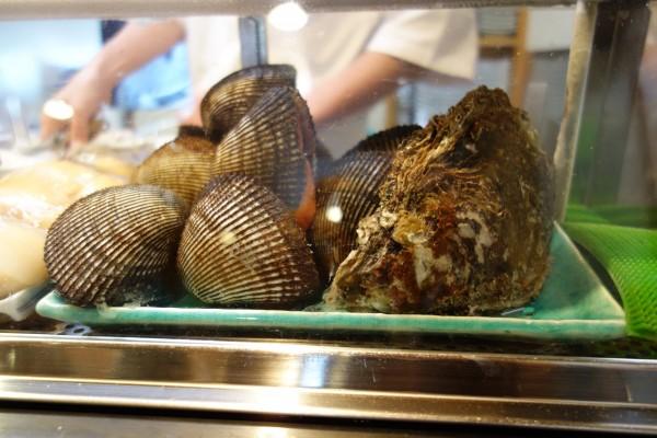 鮨武@あきる野市東秋留〜今年初の岩牡蠣