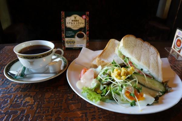 喫茶 樹樹@羽村市神明台〜樹々の間にold‐fashionedな喫茶店