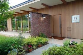 ティーハウス スパロウズ@群馬県渋川市〜英国風の庭を眺めて