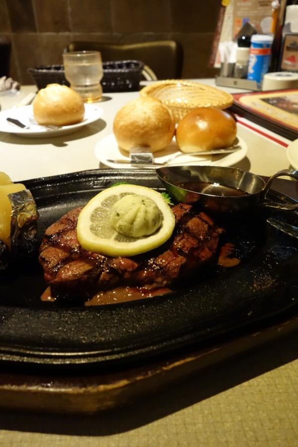 肉の万世@小平店〜ジャンクではない赤身肉ステーキ