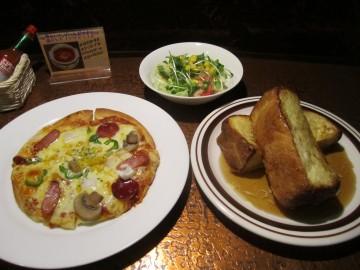 樹樹@羽村市神明台〜フレンチトーストとミックスピザ