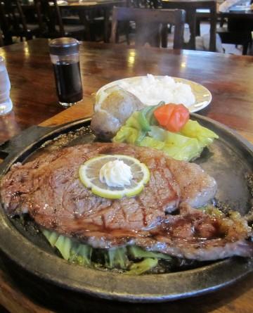 シャーロックホームズ@立川市西砂町〜バテたら肉!