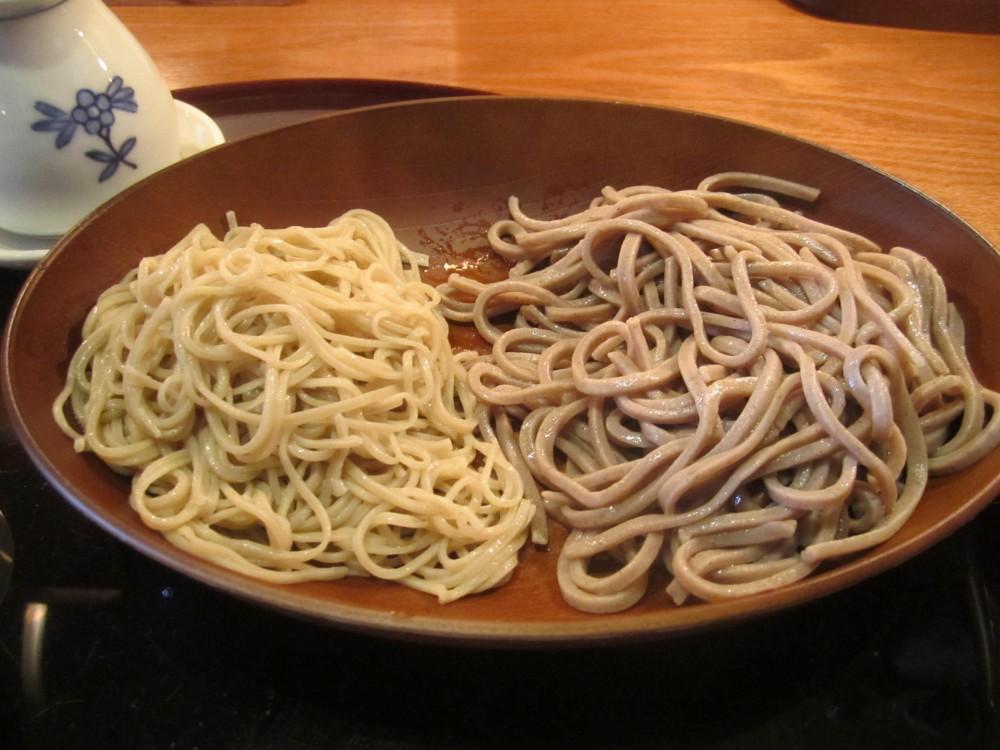 SOBA  MASUMI@小金井市〜黒い蕎麦と白い蕎麦